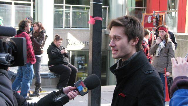 https://montrealcampus.ca/wp-content/uploads/2012/04/léo-bureau-blouin-par-simon-640x360.jpg