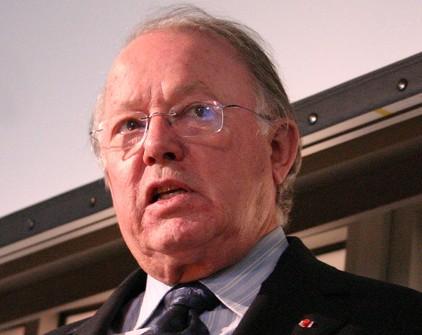 http://montrealcampus.ca/wp-content/uploads/2012/12/Bernard_Landry2-e1354829138243.jpg