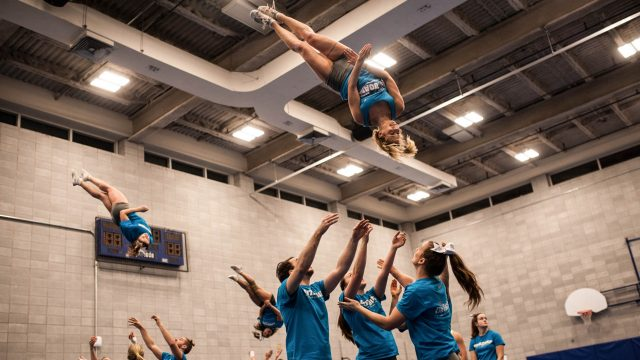 https://montrealcampus.ca/wp-content/uploads/2016/02/cheerleading-640x360.jpg