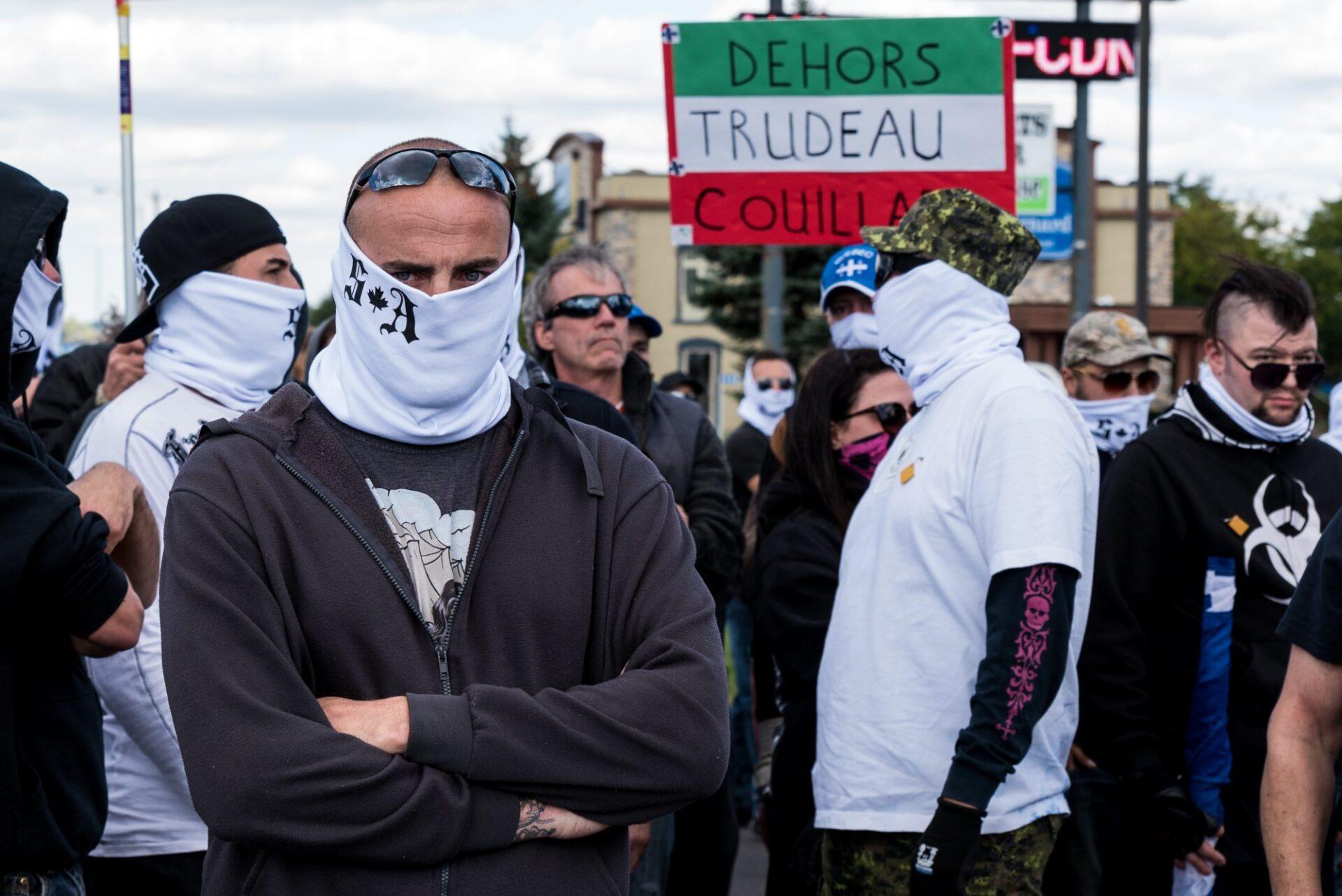 Un service d'ordre d'une cinquantaine de personnes occupait la tête de la manifestation de Storm Alliance   Photo: Martin Ouellet-Diotte  Montréal Campus