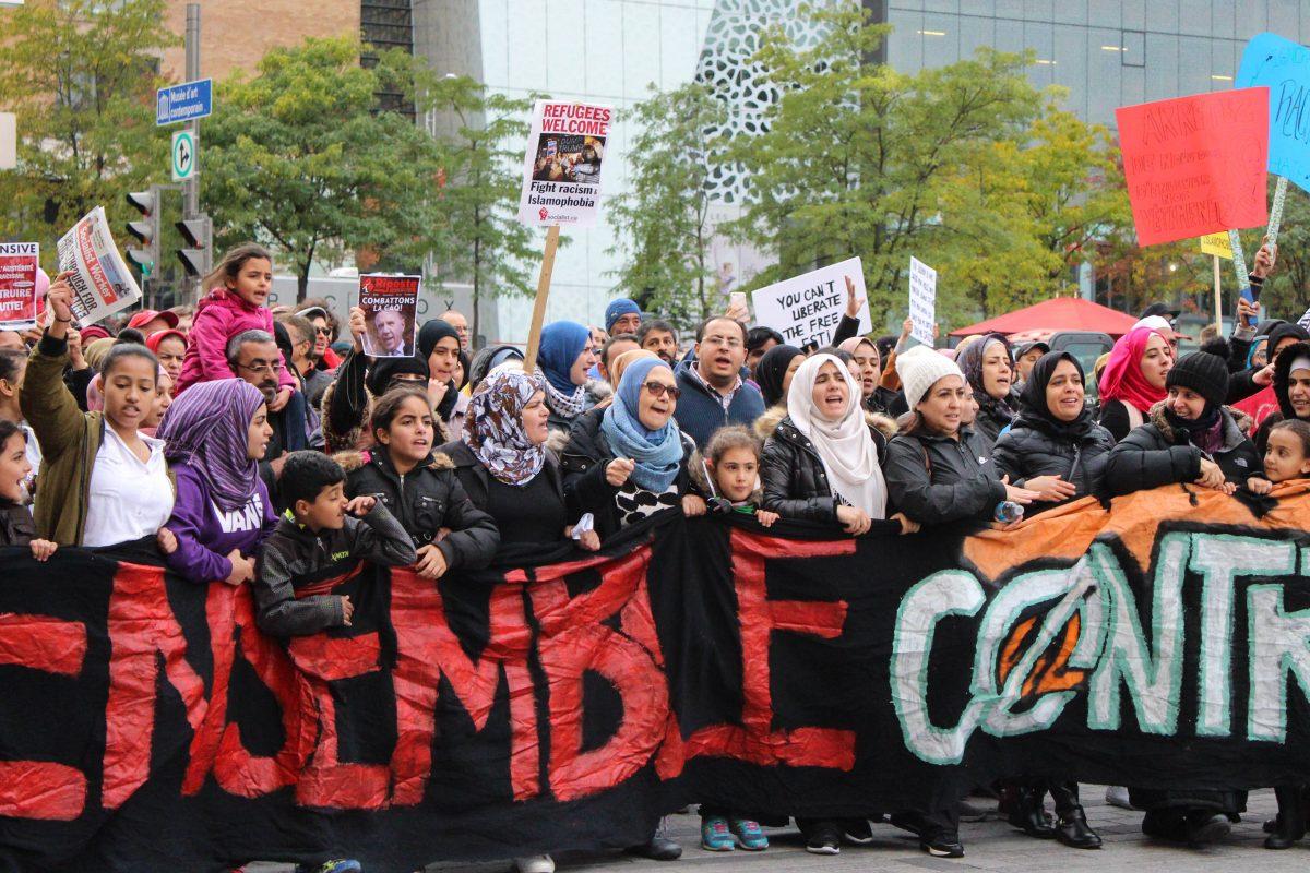 Des milliers de personnes sorties manifester contre « les politiques racistes de la CAQ »