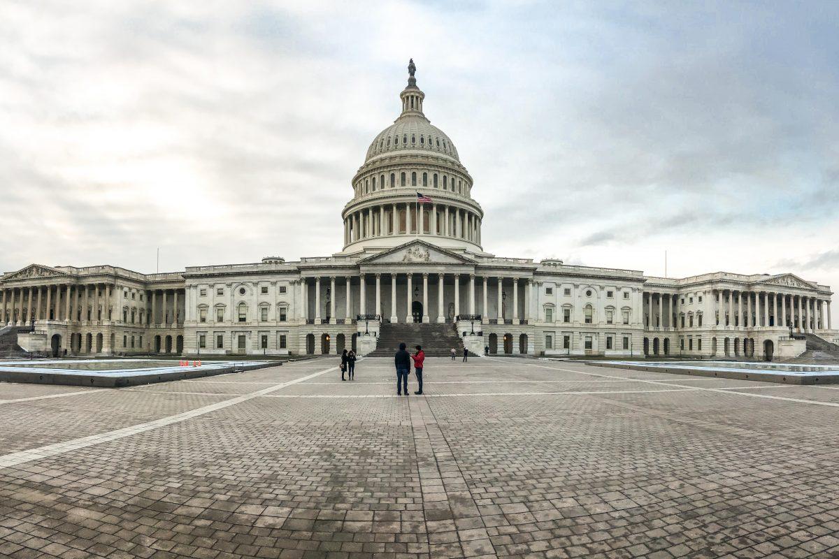 Une élection de mi-mandat décisive pour l'administration américaine