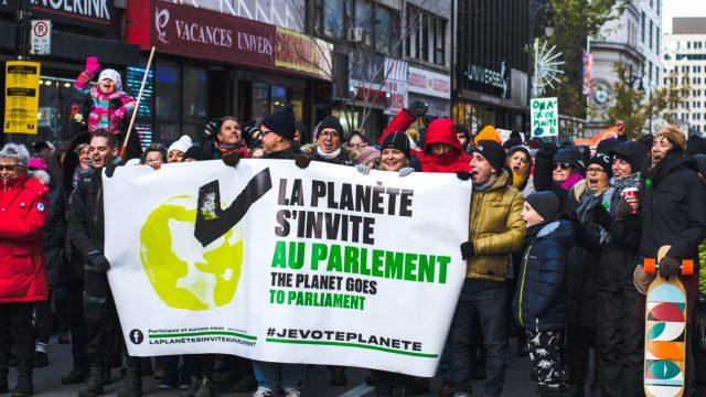https://montrealcampus.ca/wp-content/uploads/2018/11/Manif-environnement-2674-1-640x360.jpg