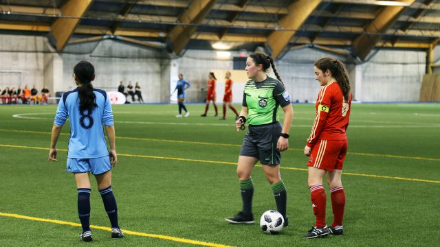 https://montrealcampus.ca/wp-content/uploads/2019/03/soccer52-640x360.jpg