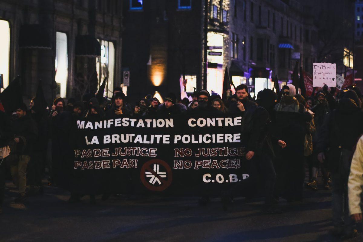 Un face-à-face prudent pour la 23e édition de la manifestation contre la brutalité policière
