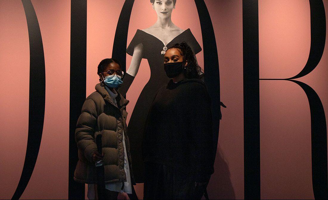 L'exposition Dior: envol vers la haute couture parisienne