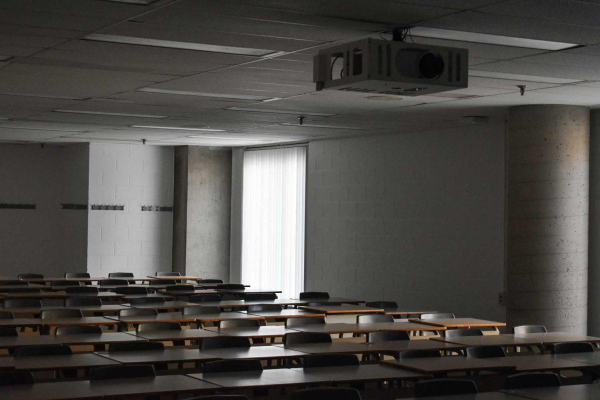 Cours annulés : la baisse d'inscriptions frappe fort